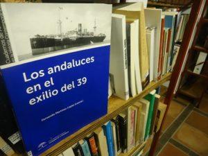 Libro 'Los andaluces en el exilio del 39', en la Biblioteca de la Casa de la Memoria.