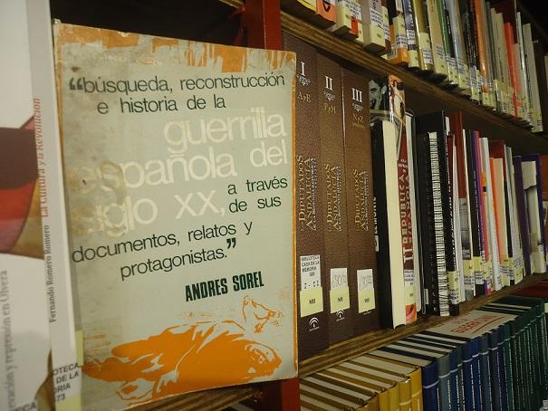 El libro de Andrés Sorel, en la Biblioteca de la Casa de la Memoria.