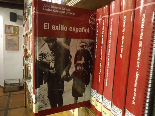 Libro El exilio español (edición de 2005), en la Biblioteca de la Casa de la Memoria.