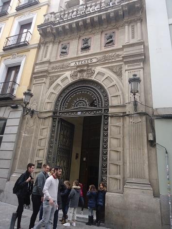 Fachada del Ateneo de Madrid.