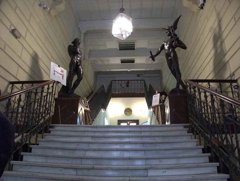 Escalinata de acceso.