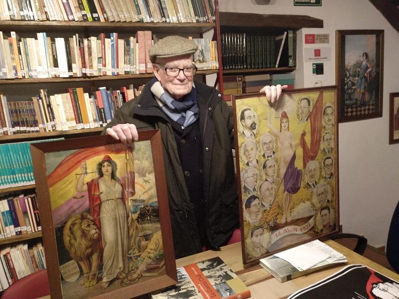 José Netto dona dos cuadros de la República a la Casa de la Memoria.