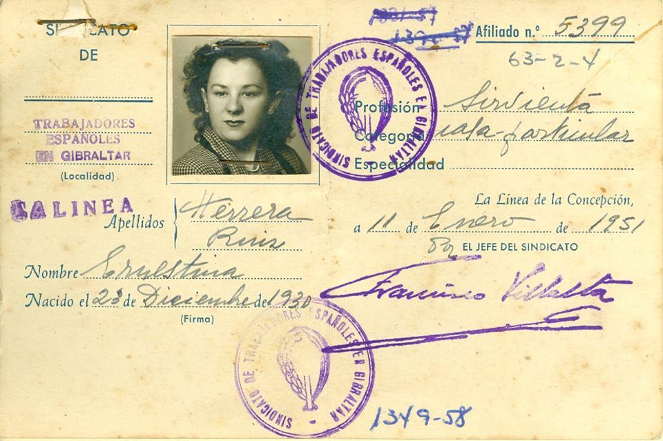 Tarjeta de una trabajadora de La Línea en Gibraltar (AHPC).