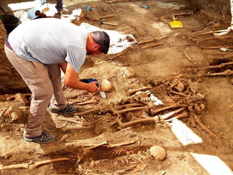 Labores de exhumación.