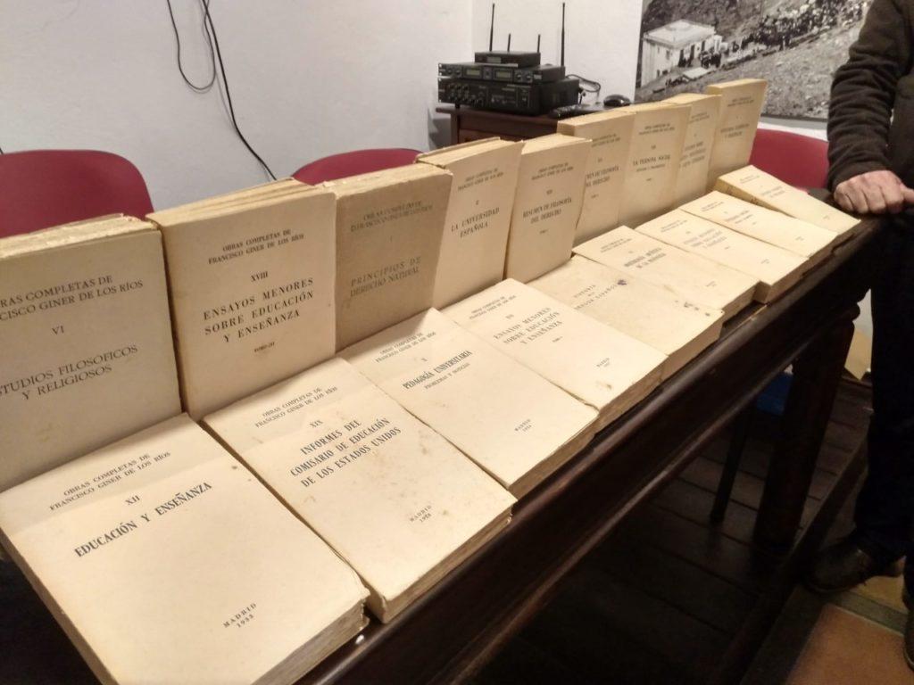 Libros de Giner donados por Benito Trujillano.