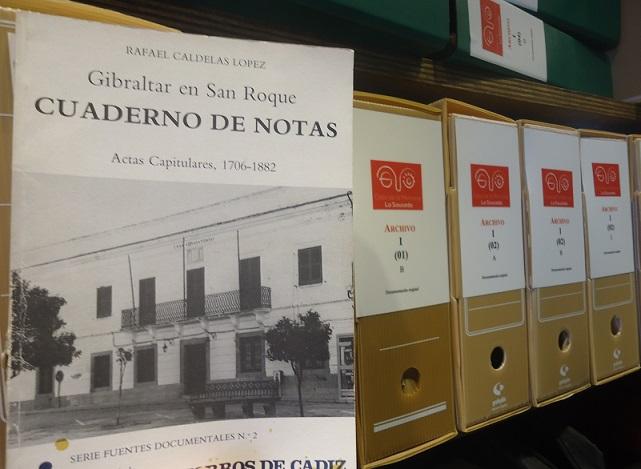 El libro, en el Archivo de la Casa de la Memoria.