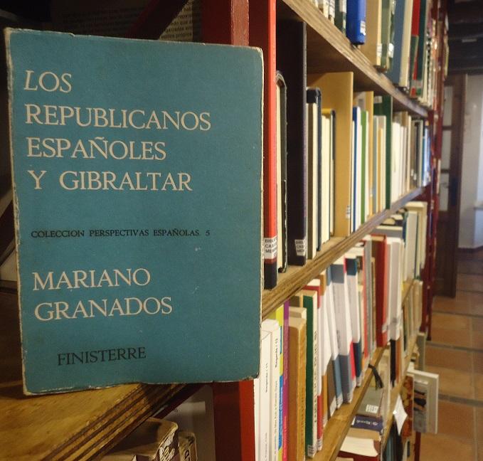 El libro, en la Biblioteca de la Casa de la Memoria.
