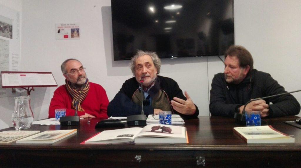 José Chamizo, wntre Antonio Pérez Girón y Andrés Rebolledo.