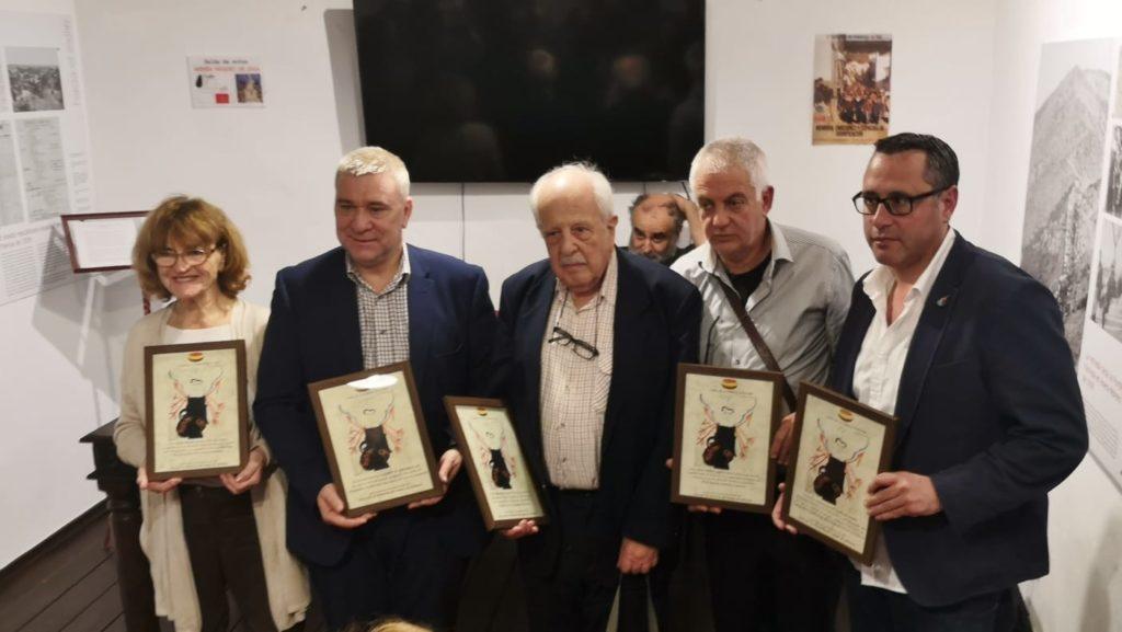 Representantes de Gibraltar homenajeados.