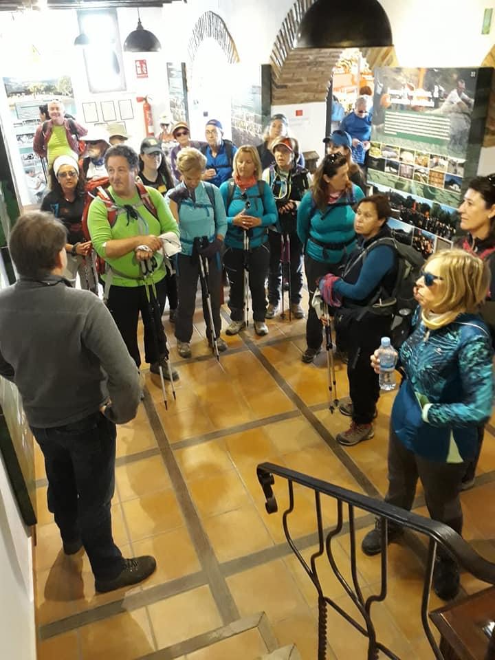 Participantes en la visita guiada.