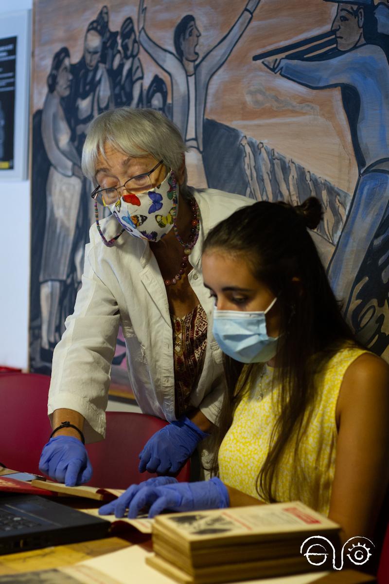 Malgara García Díaz y Ana Rodríguez Durán, en el Archivo de la Casa de la Memoria.