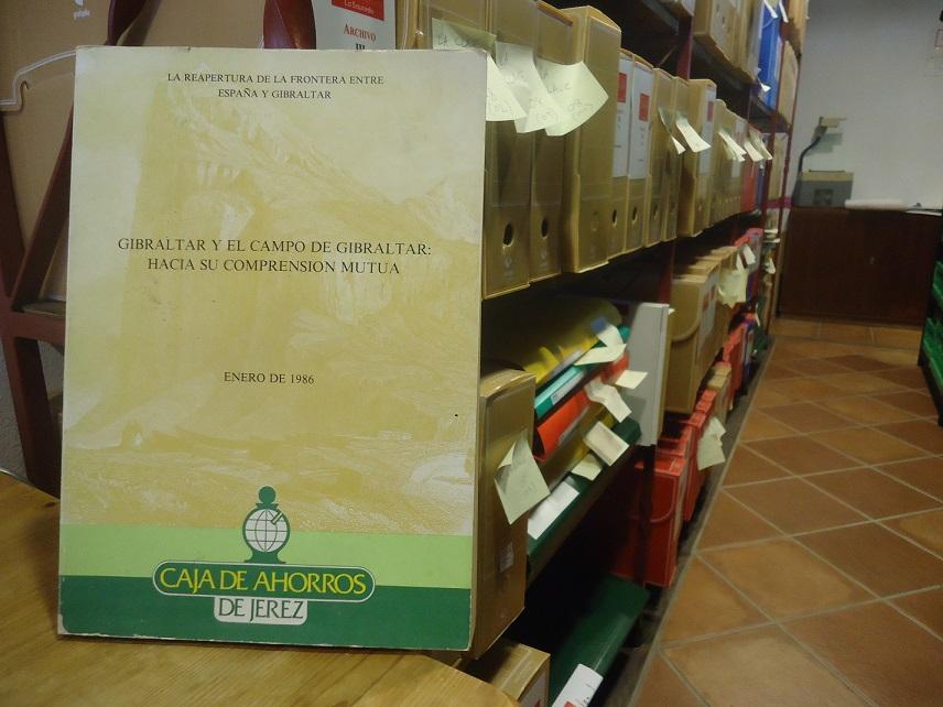 Un ejemplar del estudio, en el Archivo de la Casa de la Memoria.
