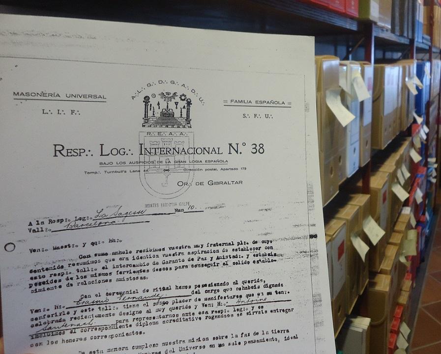 Documento reprografiado de Internacional, en el Archivo de la Casa de la Memoria.