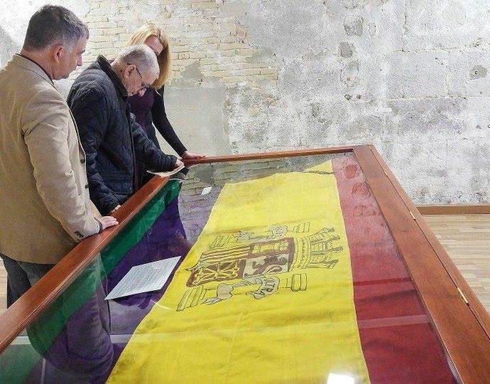 La bandera del José Luis Díez, en The Gibraltar Museum.