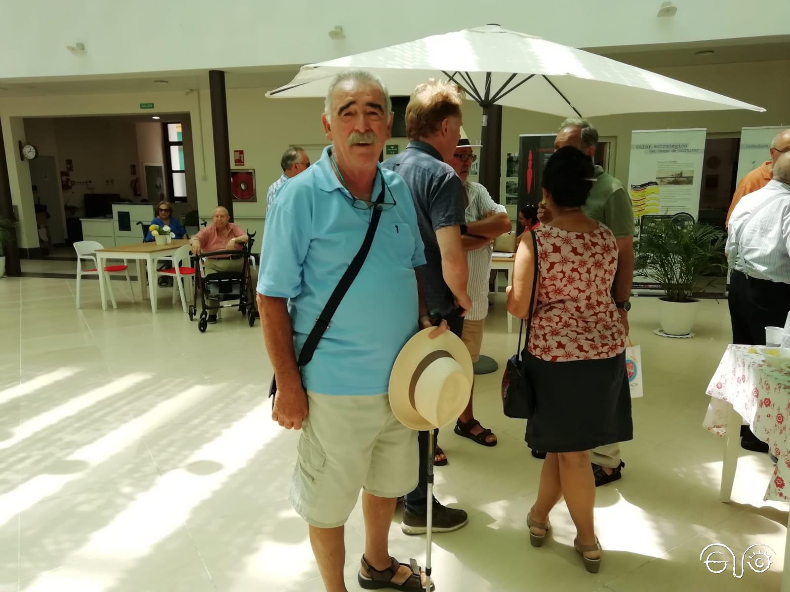 José María Ayala, tras la presentación del primer número de la revista Cuatro esquinas, en La Línea en Esquinas en agosto de 2019.