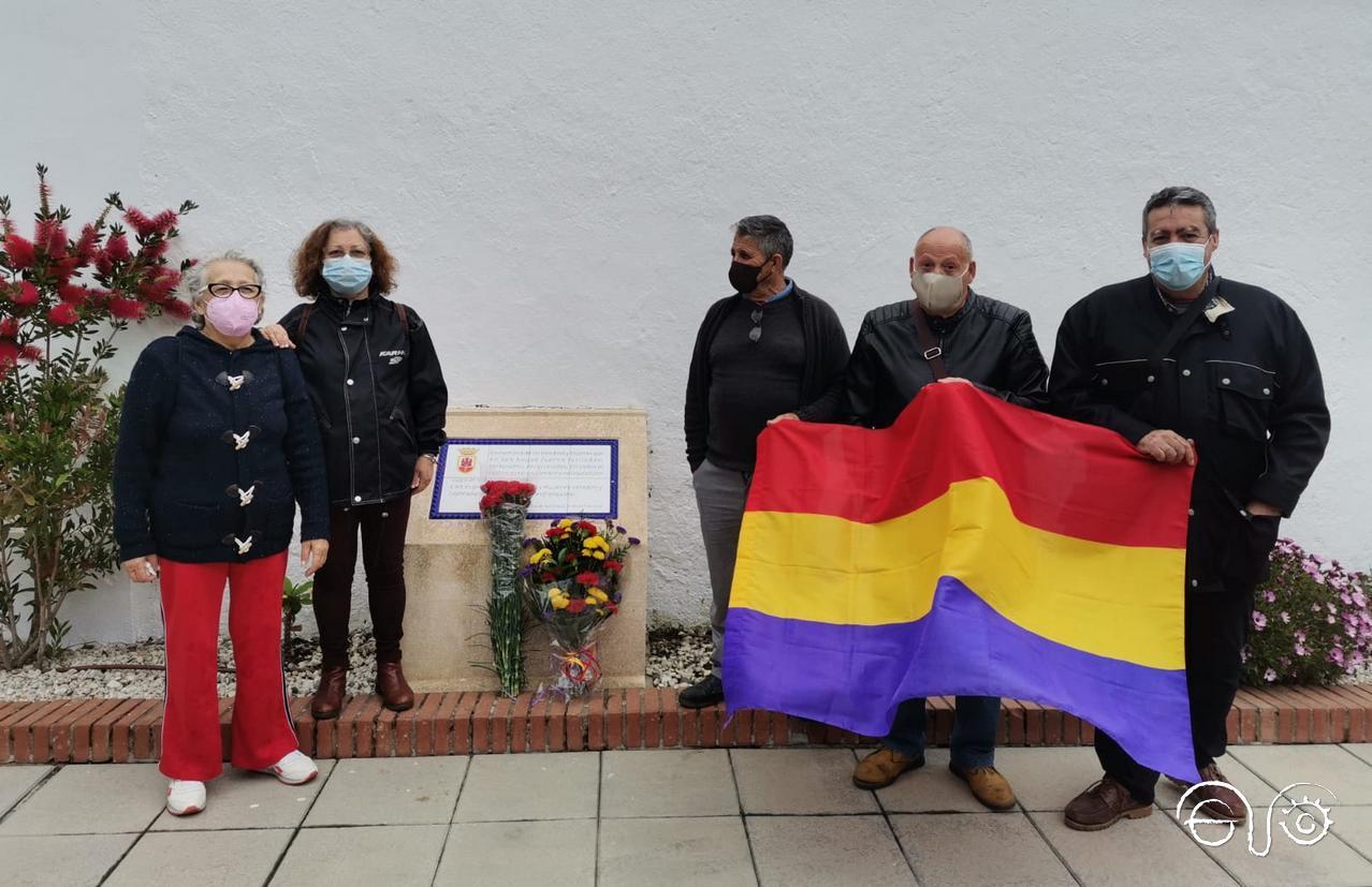 Homenaje en el cementerio de San Roque. Miércoles 14 de abril de 2021.