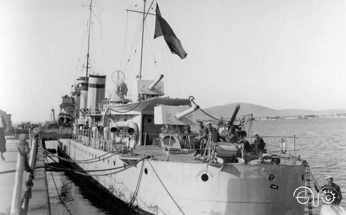 The José Luis Díez in port before the events related in this article took place.