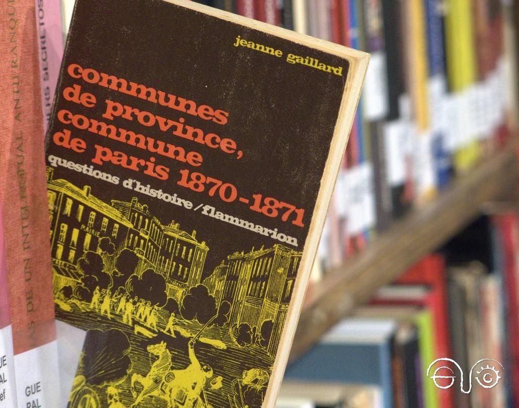 Ellibro de Jeanne Gaillard sobre la Comuna de París, en la Biblioteca de la Casa de la Memoria.