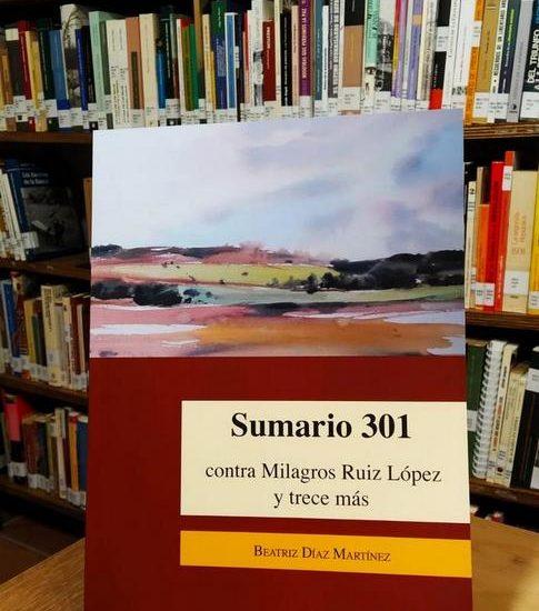 El libro de Beatriz Díaz, en la Biblioteca de la Casa de la Memoria.
