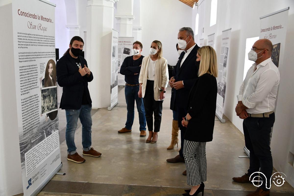 Exposición del Aula itinerante de memoria histórica y democrática, presentada por el historiador Santiago Moreno.