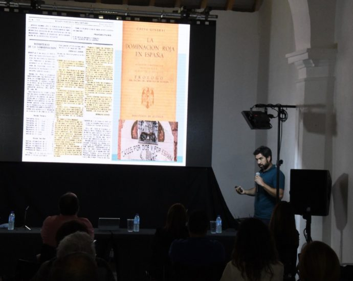 Jesús Román, durante su exposición.