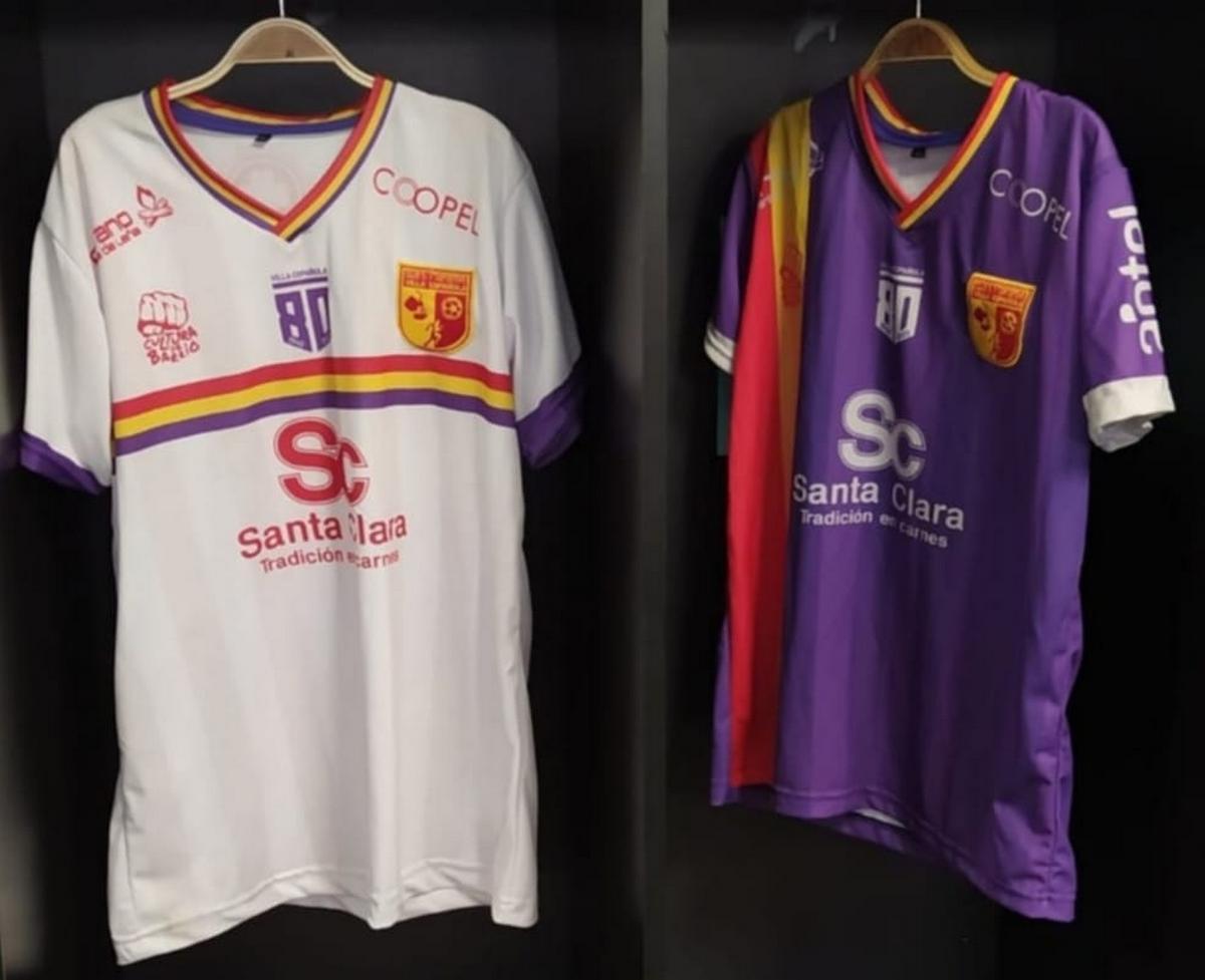 El Club Social y Deportivo Villa Española de Uruguay elije los colores republicanos para su equipación.