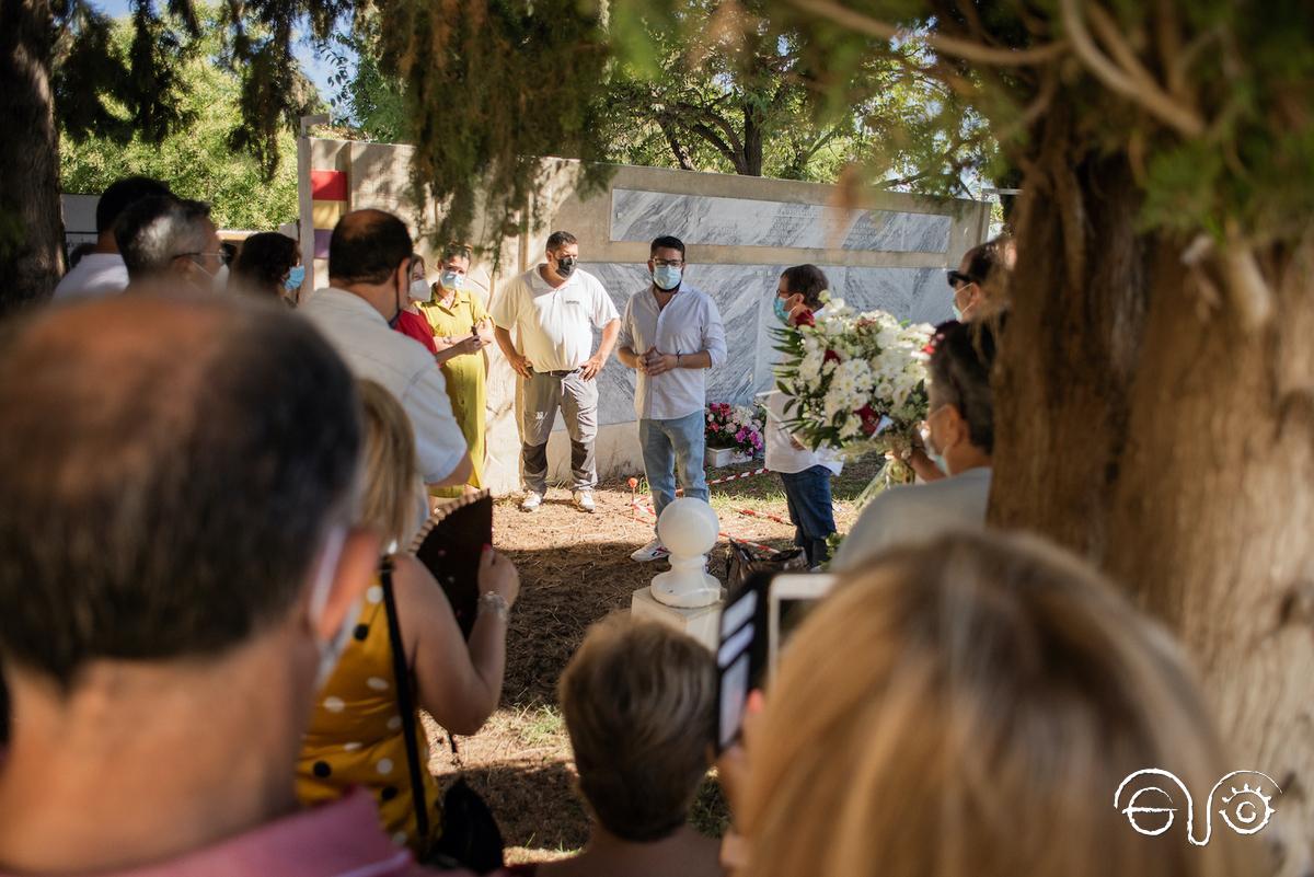 Intervención del alcalde de Trebujena en el acto de inicio de la exhumación.