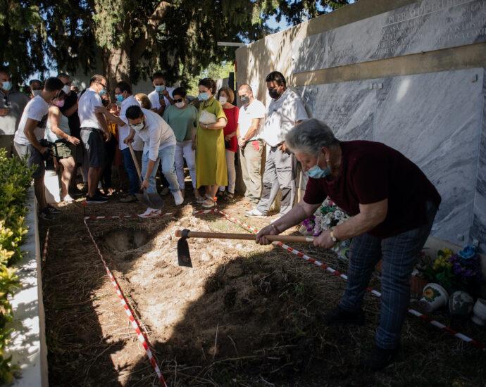 Comienzo simbólico de la exhumación de Trebujena.