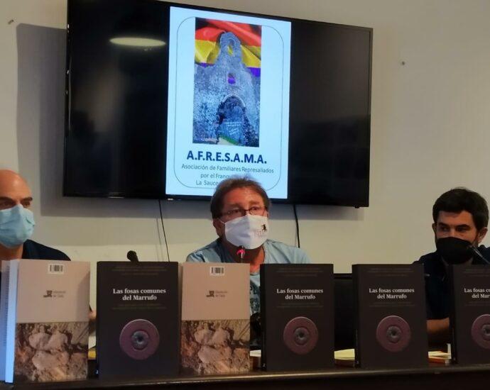 Andrés Rebolledo, entre Jesús Román y Fernando Sígler.