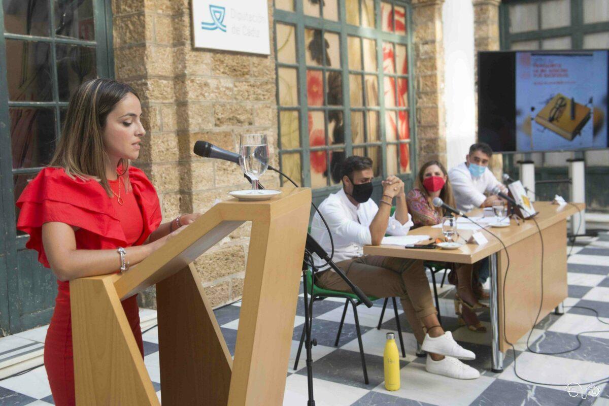 Irene Pelares, durante la presentación del libro de su padre.
